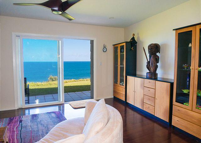 elegant remodeled living room - Oceanfront views from every room, upgraded luxury 1br/2ba on ground floor - Princeville - rentals