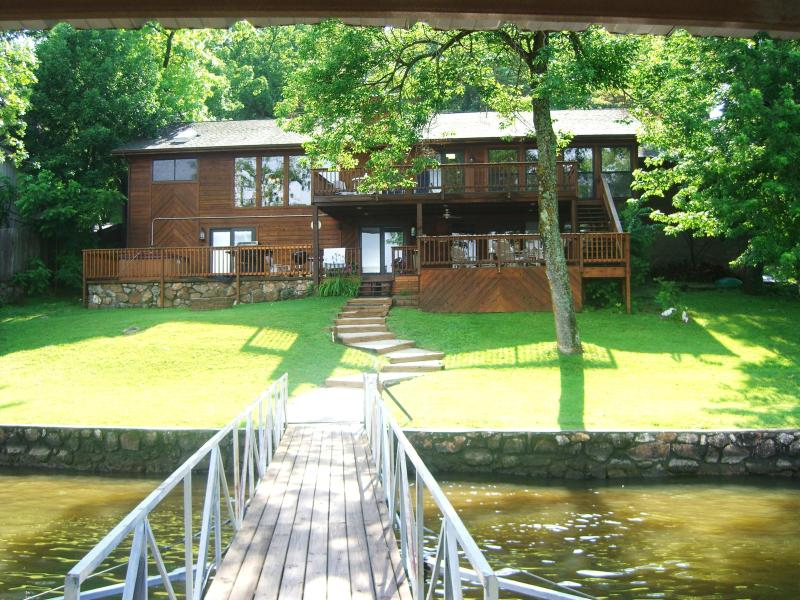 Harmony 3400 Sq Ft, 5BR, 6BA Lakefront w/ Hot Tub - Image 1 - Lake of the Ozarks - rentals