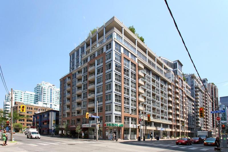 Building - Downtown Toronto Furnished VACATION Rental - Toronto - rentals