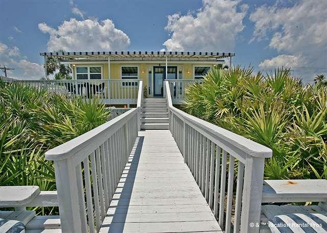Turtle Dunes sits right on the shores of Ponte Vedra Beach. - Turtle Dunes, 4 bedrooms, HDTV, Beach Front, Ponte Vedra - Ponte Vedra Beach - rentals