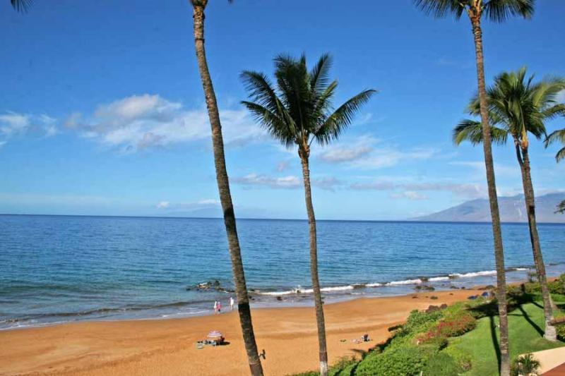 View from our Lanai North - Beachfront-MakenaSurf B303 from $409/night - Kihei - rentals