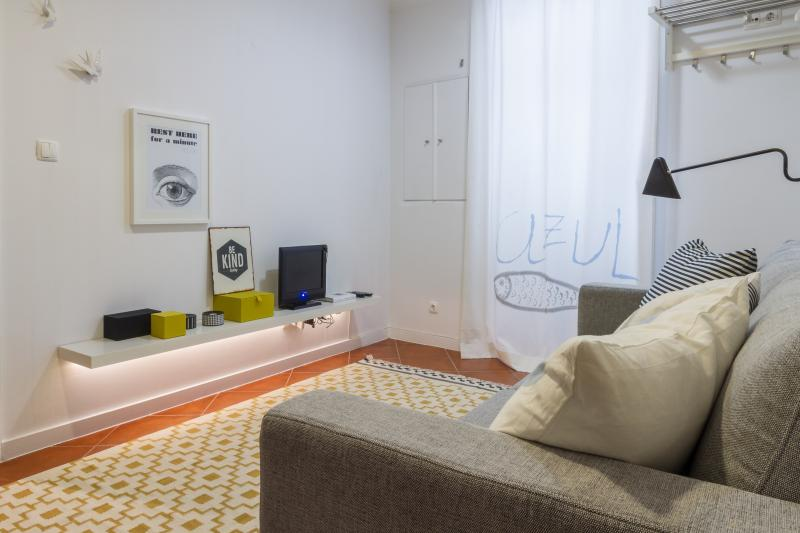 A cozy environment in a modern style ... for a comfortable vacation at Lisbon - Studio in the heart of Alfama, with great design - Lisbon - rentals