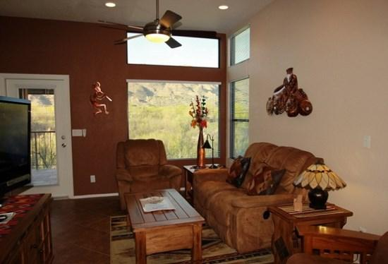 Living Room with Awesome Views - One Bedroom with One Bath and a Den. Enjoy Incredible Mountain Views at The Greens in Ventana Canyon! - Tucson - rentals