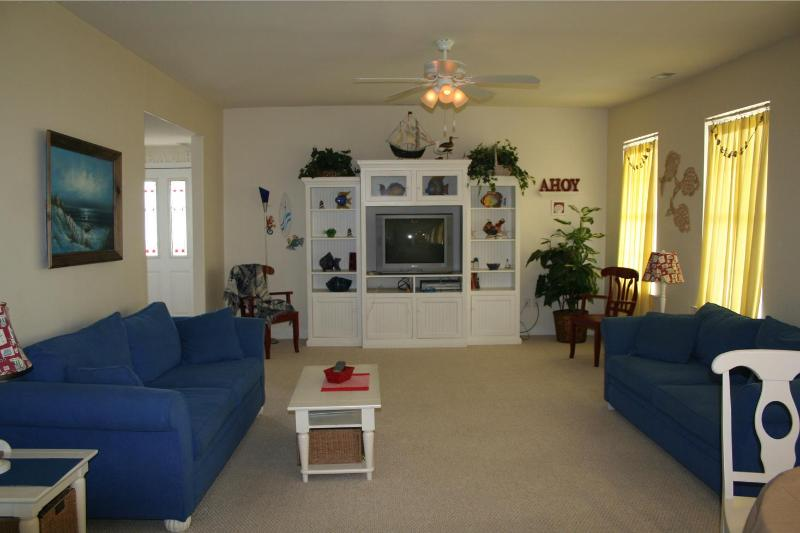 Huge Living Room - Beautiful condo at Best Location in wildwood - Wildwood - rentals