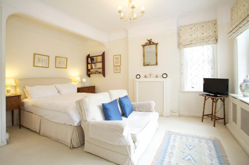Bedroom - York House Studio, Sloane Square - London - rentals