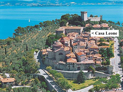Casa Leone is within the walled old town of Castiglione del Lago. - Casa Leone - Castiglione Del Lago - rentals
