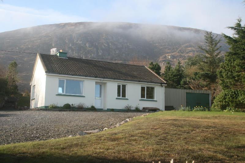 Front view of cottage - Tigh Cladach - Cahersiveen - rentals