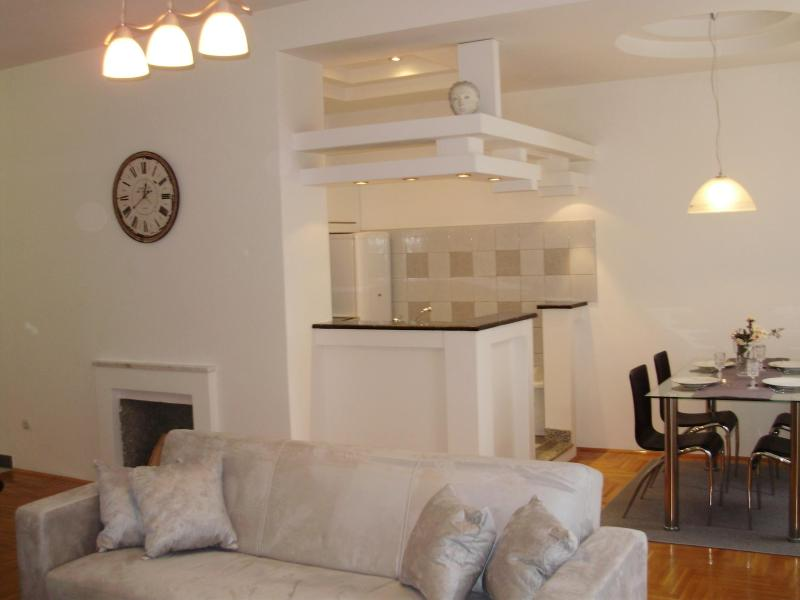 CITY CENTER APARTMENTS APP2 - Image 1 - Zagreb - rentals