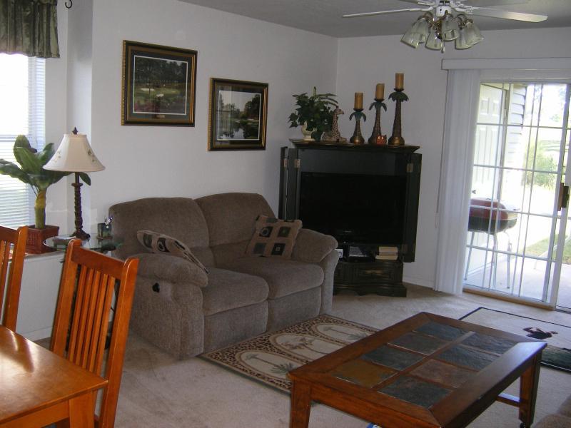 Living Room - Restful Retreat - Branson - rentals