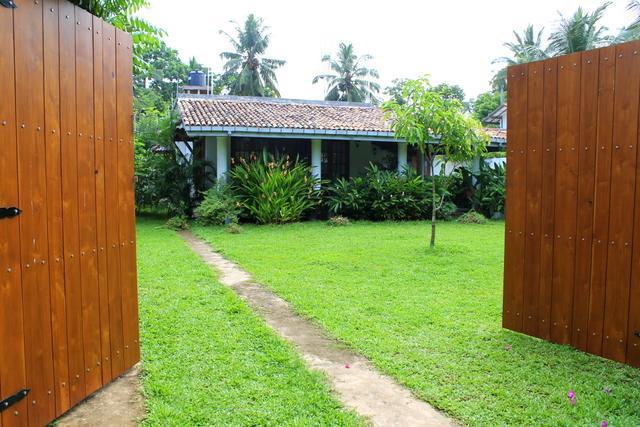 Villa Blue Coral Hikkaduwa - Image 1 - Hikkaduwa - rentals