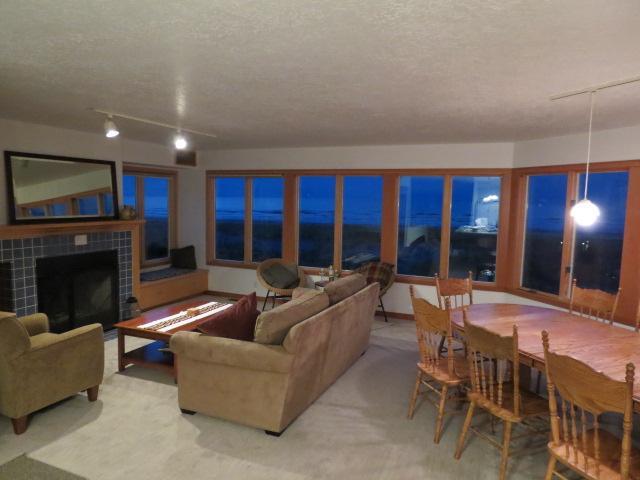 Conway's House, Beach Front, Sleeps 11, Wi-Fi - Image 1 - Rockaway Beach - rentals