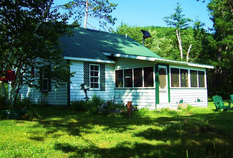 White Cottage - Oiseau Bay White Cottage - Amos - rentals