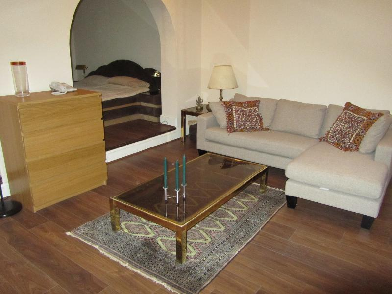 Photo 2 - Large Well Appointed Basement Flat Central London - London - rentals
