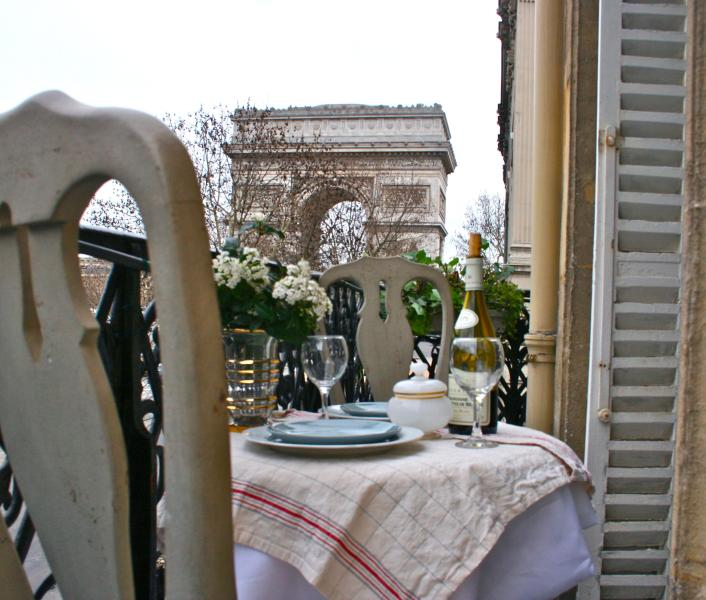 Take in incredible views of the Arc de Triomphe - *Up To 20% Off!* Luxury Flat Overlooking the Arc - Paris - rentals