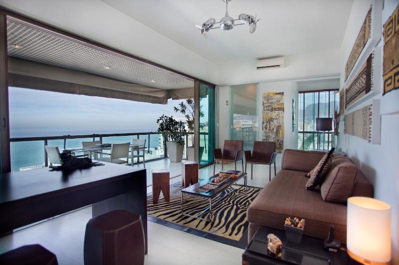 Beautiful 2 Bedroom Apartment With Expansive Ipanema Views - Image 1 - Rio de Janeiro - rentals