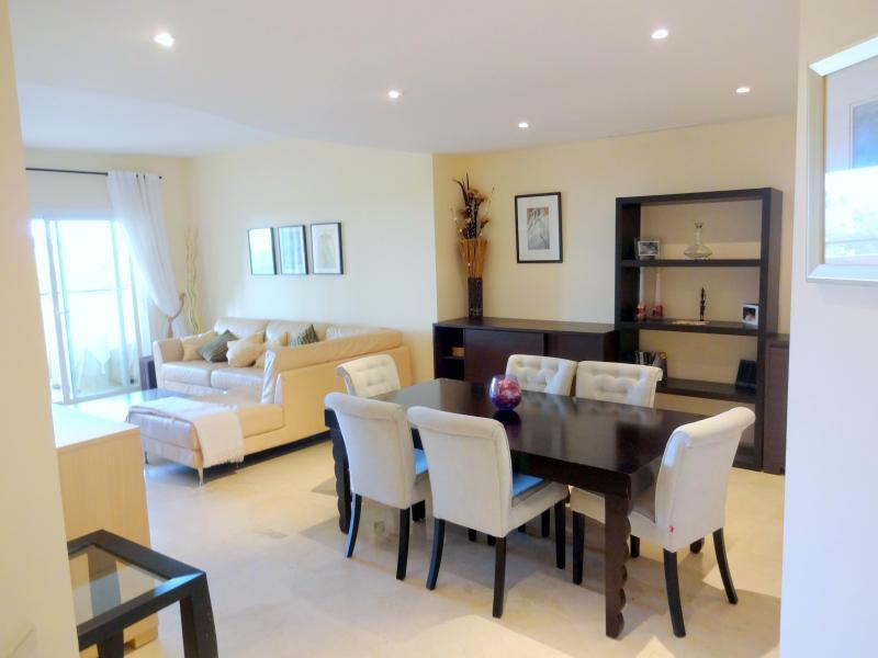 Italian marble throughout - Luxury 3 Bed 3 Bath Elviria Hills Golf Development - Marbella - rentals