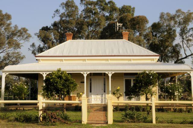 Glen Falloch Farm Cottage, NE Victoria - Image 1 - St Kilda - rentals