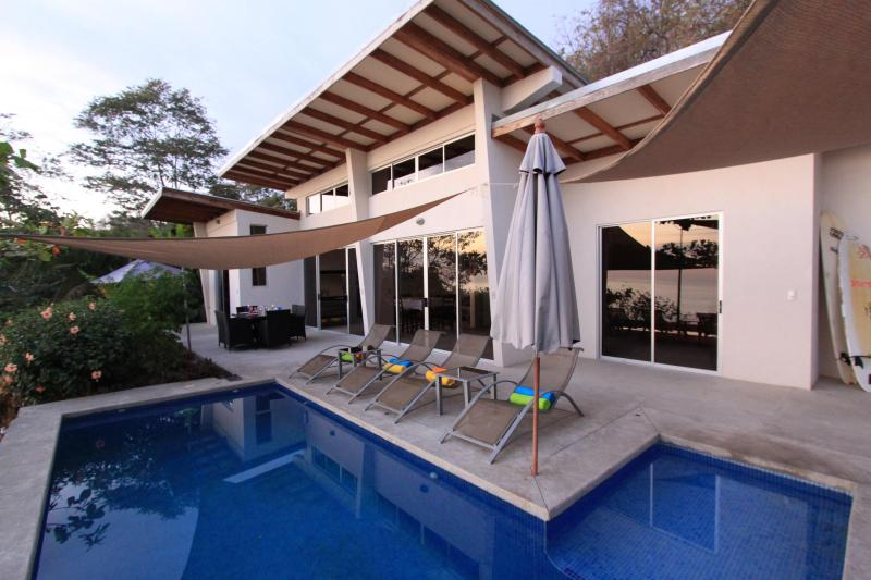 House and Patio - Sea and Sky Villa - Santa Teresa - rentals