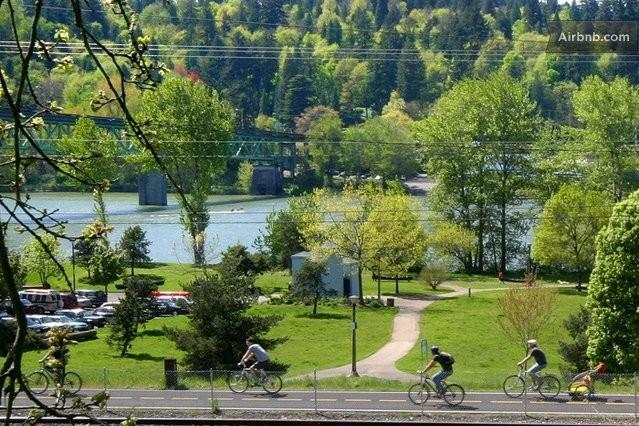 Sellwood Waterfront Park - Sellwood Guest Suite with Hot Tub - Private Entry - Portland - rentals