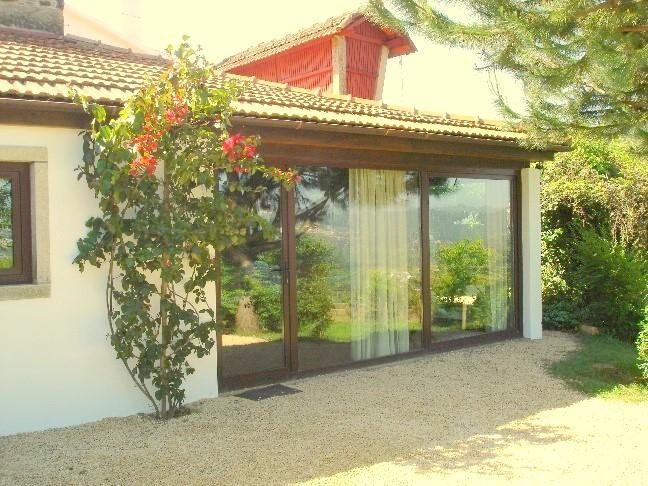 House entrance with parking area - NiceView -Villa between Beach and Mountain - Oliveira de Azemeis - rentals