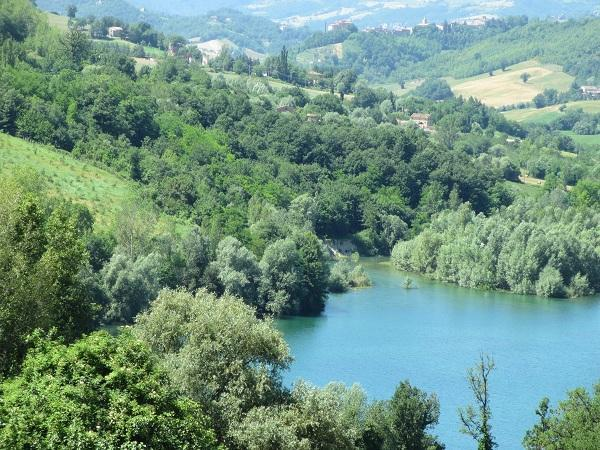 House by the lake - A beautiful house by the lake - Amandola - rentals