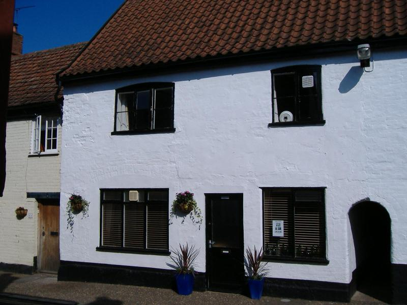 Damgate (holiday) Cottage - Image 1 - Norfolk - rentals
