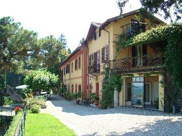 Elegant apartment in 17th villa - Image 1 - Dagnente - rentals