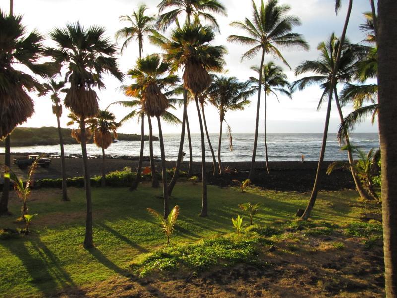 Black Sand Beach - Hawaii Big Island Black San Beach - Pahala - rentals