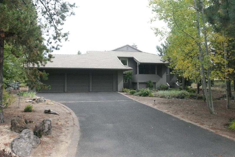 26 Winners Circle, On Woodlands Golf, SHARC Passes - Image 1 - Sunriver - rentals
