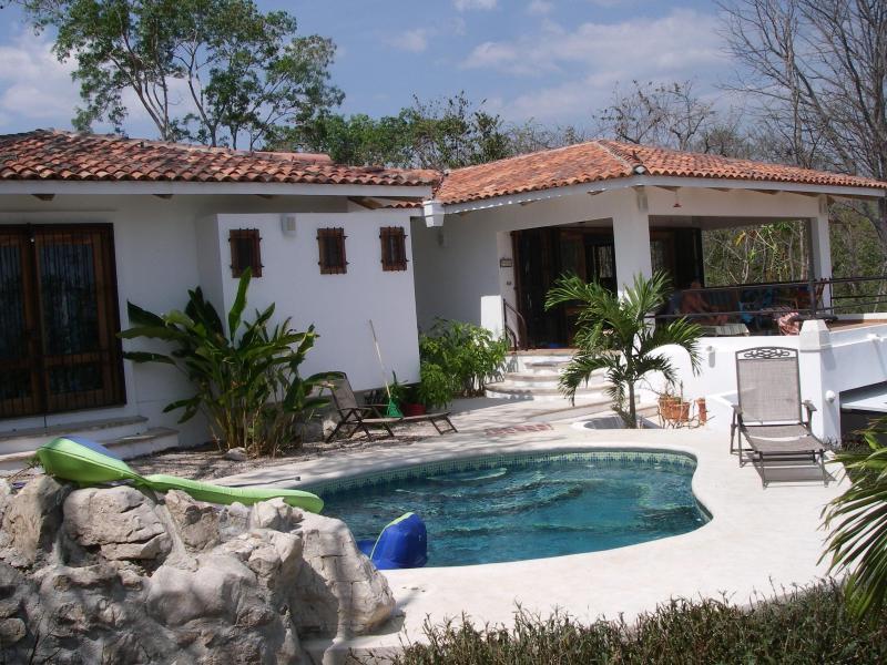 Front of villa with pool and terrace - Casa Margarita - Playa Samara - rentals