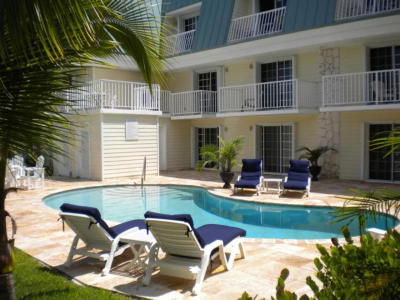 Private Pool - Cozy 1 Bedroom Condo on the Golf Course - Freeport - rentals