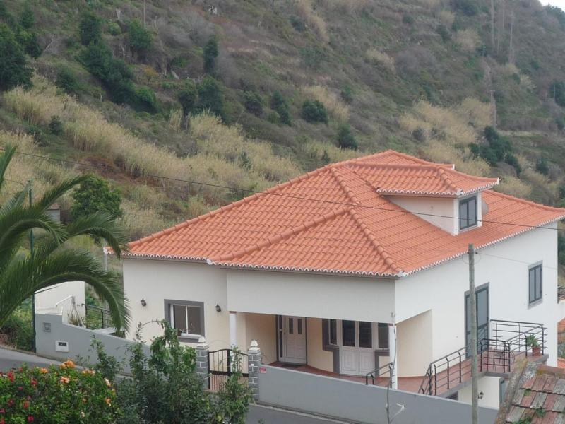 View from the street above - Villa Miradouro - Calheta - Alojamento Local - Calheta - rentals