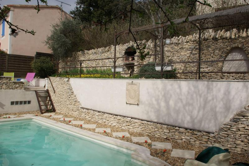 The terrace above the pool - Quiet villa with private pool near Gordes Provence - Joucas - rentals