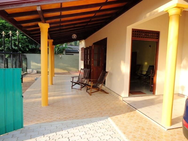 Exterior - Air Conditioned Two Bedroom House - Hikkaduwa - rentals