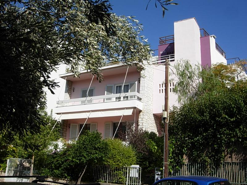 pink house - Apartment easy access to airport, ports, city - Athens - rentals