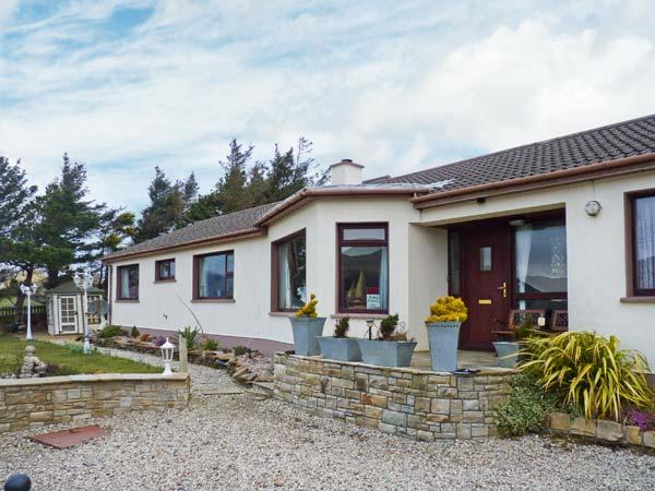 CASATARA 1, pet-friendly, multi-fuel stove, corridor to adjoining property, near Ardara, Ref. 23483 - Image 1 - Ardara - rentals