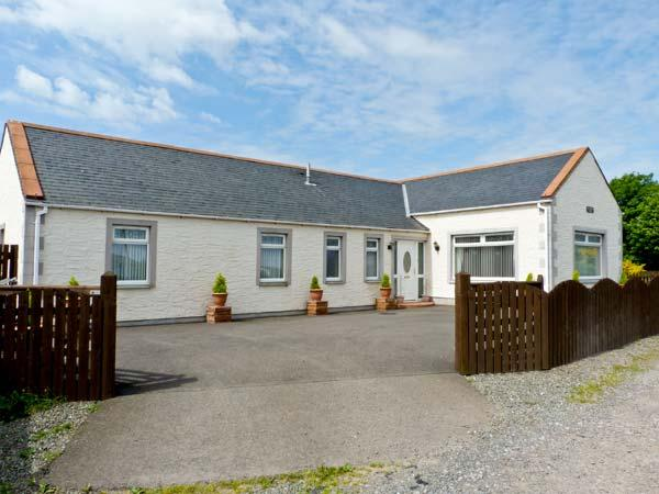SHERAUCHIE, pet-friendly, coastal location, single-storey accommodation, in Southerness, Ref 17361 - Image 1 - Southerness - rentals