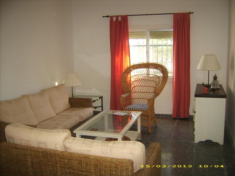 Living room - 5 minutes walk from beach spacious house for rent - Chipiona - rentals