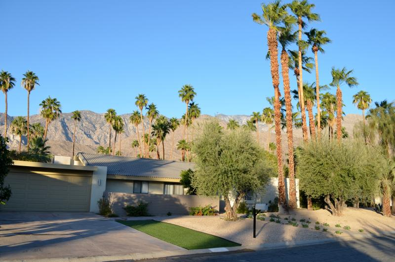 Palm Trees and Mountain Views! - Twin Palms Mid-Century Luxury Home - Palm Springs - rentals