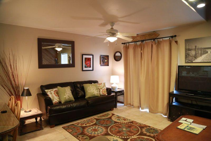 Spacious living room with balcony access to beach - Ocean Reef 702 -Gulf Front Townhome - Gulf Shores - rentals