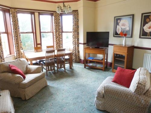 Lounge diner with comfy seating - Waddow Apartment - Clitheroe - rentals