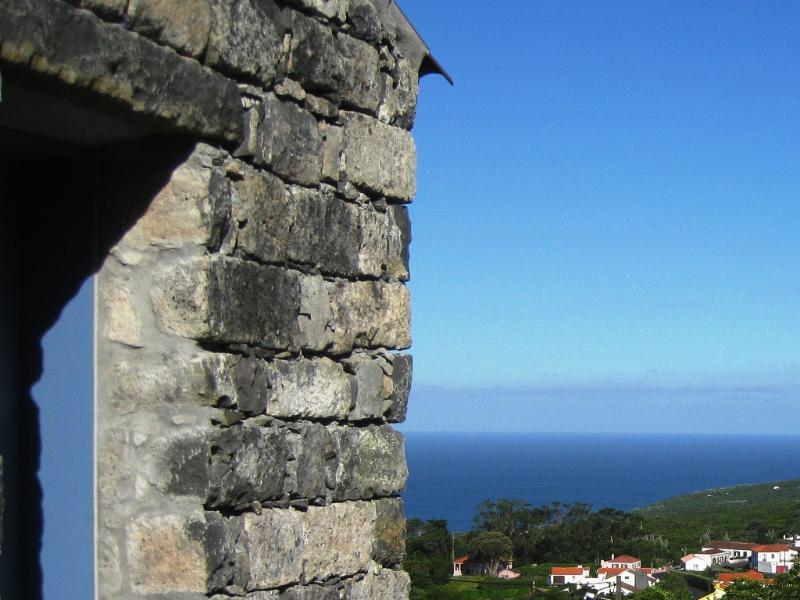 Ocean and village view - Casa da Urze - holiday home for lovers - Horta - rentals