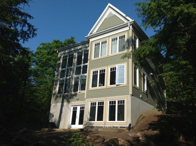 Lakefront... filled with light - Le Chalet Vert - Shawinigan - rentals