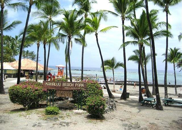 Near by Beach Park - Recent Renovation- New Furniture- 2 bed 2 bath townhouse Surf and Racquet-SR 52 - Kailua-Kona - rentals