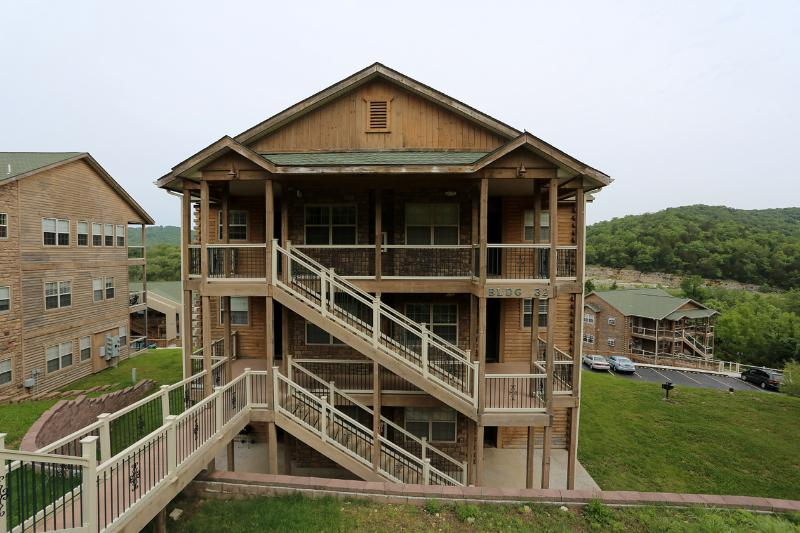 Jetted Tub | Fireplace | Pool | Hot Tub | Next to Silver Dollar City (3210604) - Image 1 - Branson - rentals