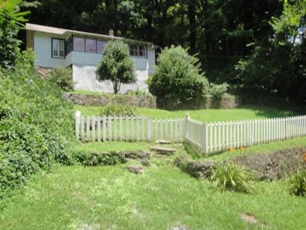 Front view - Cobblestone Cottage - Tryon - rentals