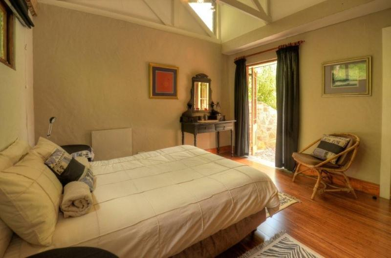 The Chalet Main Bedroom - Maple Grove - The Chalet - Hogsback - rentals
