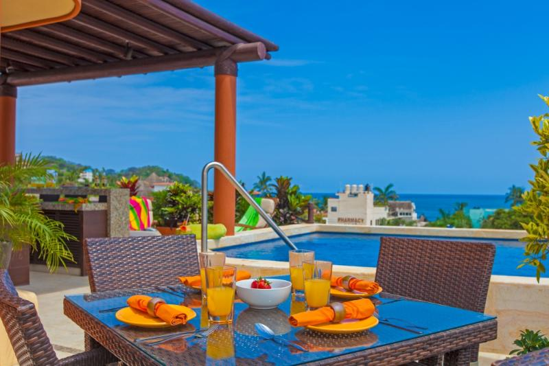 Rooftop Breakfast - Beach Break Suites, Sayulita Downtown - Sayulita - rentals