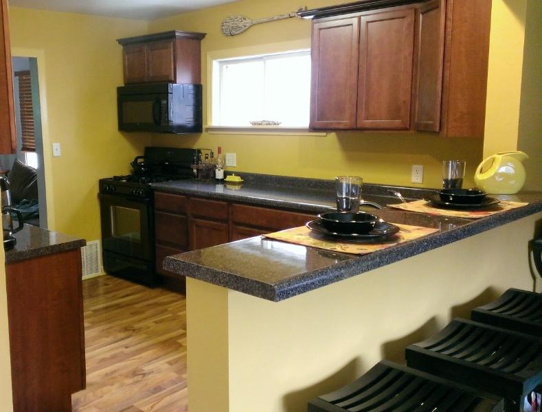 Kitchen with snack bar - Second Haven - South Haven - rentals