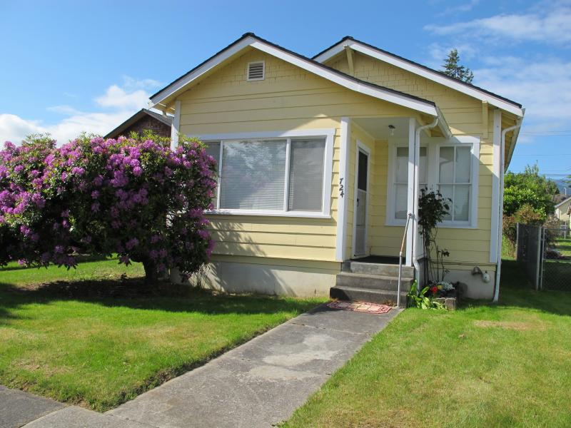 Mullan Cottage is a cozy & relaxing place to get away, or to explore the Olympic Peninsula. - Cute and Cozy Mullan Cottage - Port Angeles - rentals